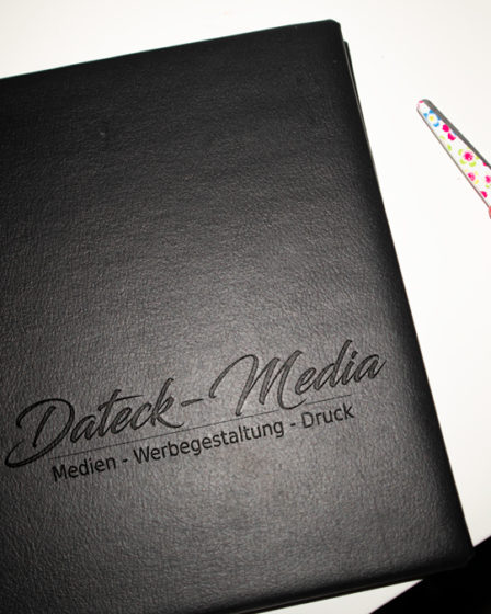 Lederbuch Mockup